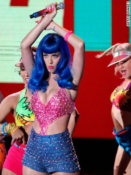 The diva wore a bright pink top to perform at the 2010 MTV Movie Awards. 