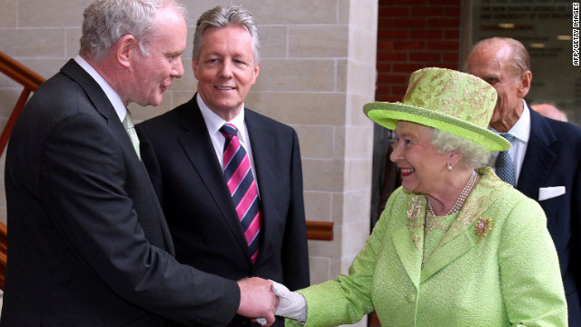 Queen makes history with ex-IRA leader handshake