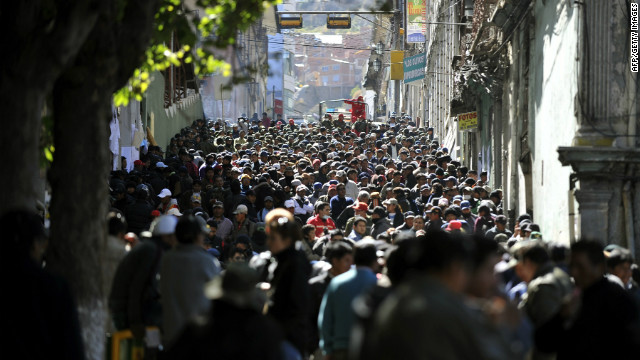 Bolivian policemen on strike at the Plaza de Armas in La Paz on June 26, 2012. 