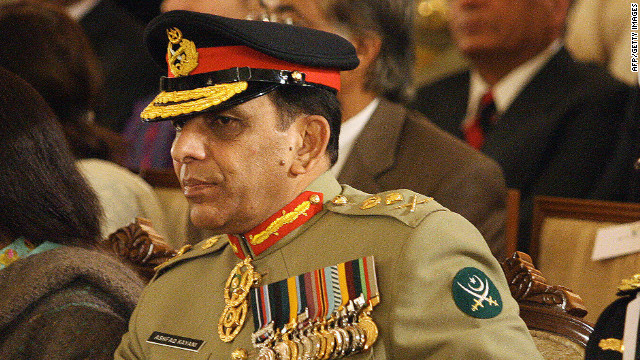 Pakistan army chief General Ashfaq Kiyani urged NATO to stop Taliban militants from crossing the border.