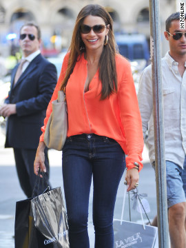 Sofia Vergara shopping in Milan.