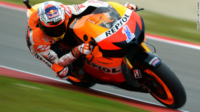 Australian motorcyclist Casey Stoner bounced back to set the pace in Friday's qualifying session in Assen.