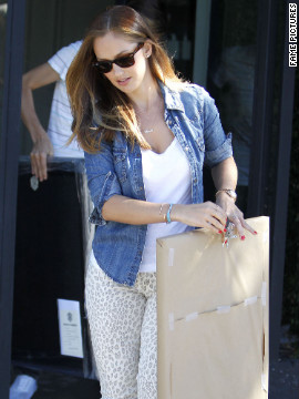 Minka Kelly leaves the Salon Benjamin in West Hollywood.