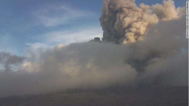 Alerta del Volcán Nevado del Ruiz en Colombia es reducida a nivel naranja