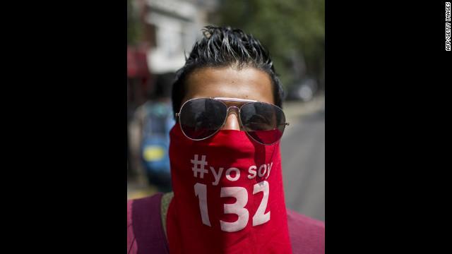 Arrestan 60 miembros de #YoSoy132 en Puebla, México