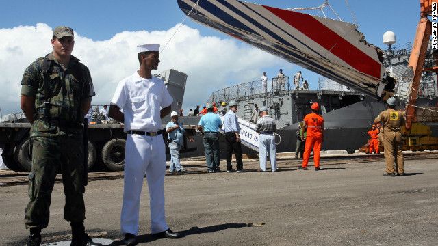The recovered tailfin of Air France Flight 447 is unloaded from a Brazilian Navy frigate at Recife harbor on June 14, 2009.