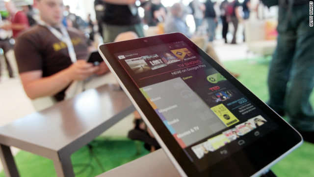  Nathan Olivarez-Giles says the Nexus 7 provides the best tablet experience outside of Apple's iPad.