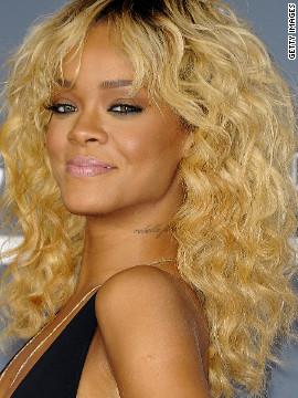 Pop star Rihanna has several tattoos, among them reportedly one that is grammatically incorrect in French.