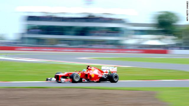 """Fernando Alonso logra la """"pole"""" para el Gran Premio de Gran Bretaña"""