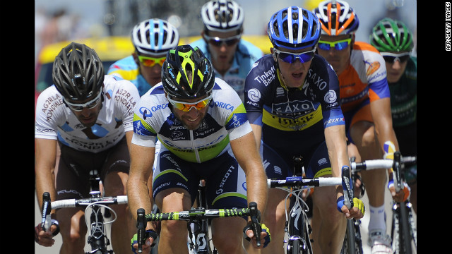 From left, France's Christophe Riblon, Switzerland's Michael Albasini, Denmark's Chris Anker Sorensen, Spain's Luis-Leon Sanchez and France's Cyril Gautier lead the race on Saturday.