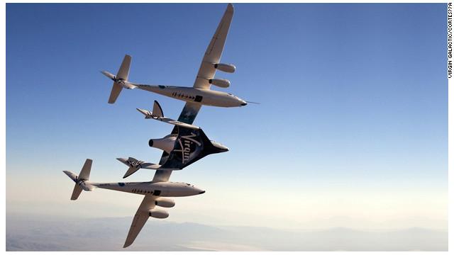La nueva nave de Virgin Galactic debuta en la feria Farnborough