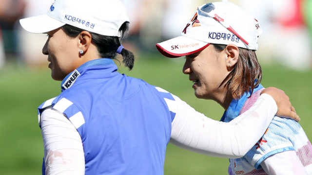 She was congratulated by compatriot Se Ri Pak, left, who inspired a new generation of Korean golfers when she won the same tournament at the same venue in 1998.