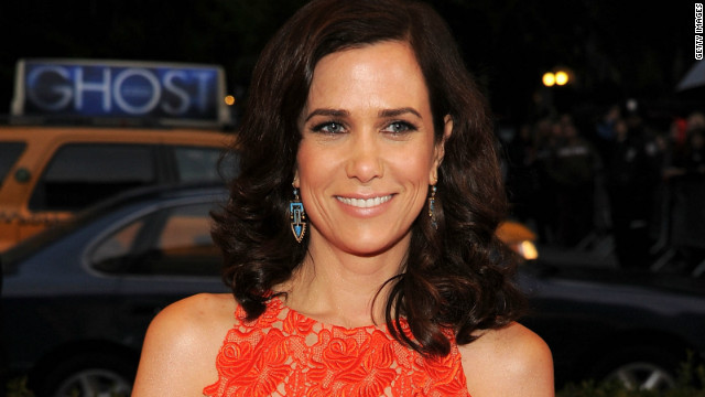 Overheard: Kristen Wiig hints at happy romance