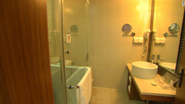 An en-suite bathroom in a Hanting Inns hotel. The chain invests &quot;serious money&quot; into its rooms, says Ji Qi.