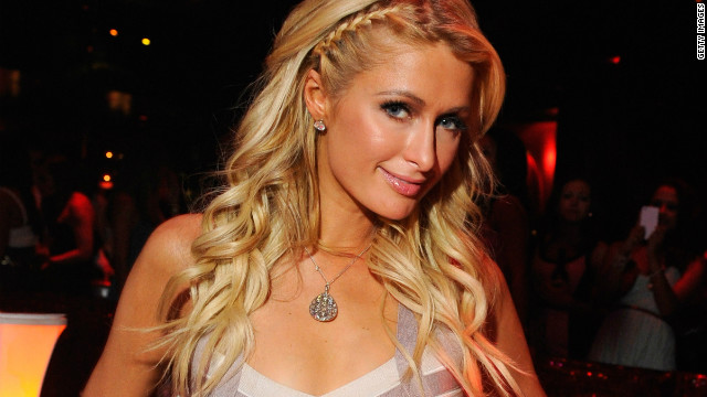 Paris Hilton defends 'gay guys' comment