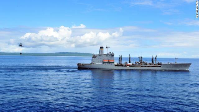 Un barco estadounidense dispara contra un bote en el Golfo Pérsico
