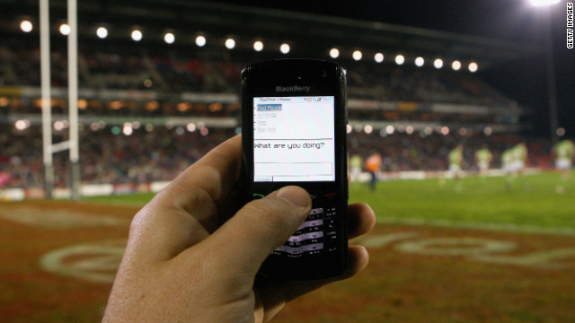 Mobile phones return to British Open