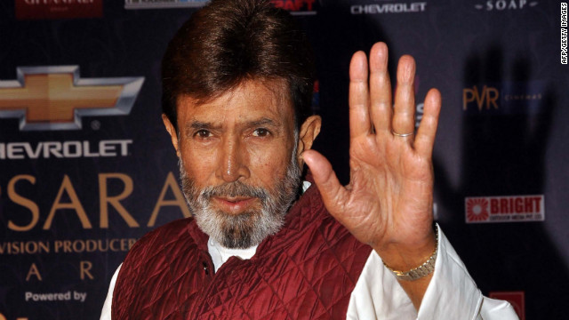 Rajesh Khanna waves arrives for the &quot;7th Apsara Awards&quot; during the ceremony in Mumbai, India, on January 25. Khanna's death was anounced Wednesday by his son-in-law, Akshay Kumar. He was 69.