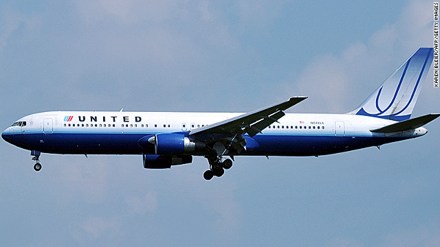United mistakenly offered return flights to Hong Kong for four air miles and $43.