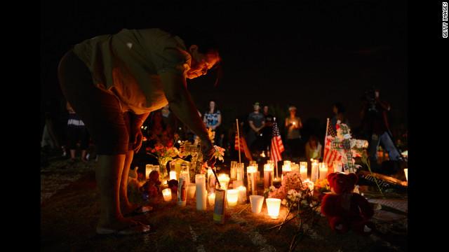 Revelan los nombres de las 12 víctimas del tiroteo en cine de Colorado