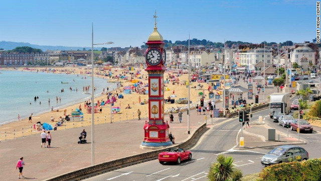 After a day of sailing, Games fans can chill out on Weymouth Beach or at the nearby Bayside Festival where there will be plenty of bars, food stalls and musical performances. For those who can't get enough sports there is even an interactive sports arena where people can try some of Britain's most popular sports such as football, rugby, volleyball, cricket, bowling, sailing and kayaking.
