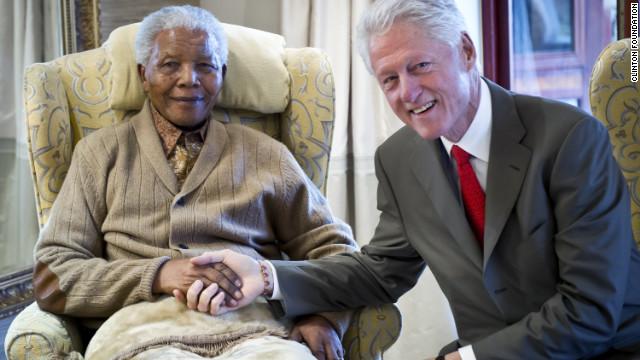 Nelson Mandela es hospitalizado para exámenes médicos