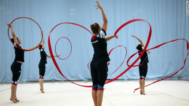Club swinging first appeared at the 1904 St. Louis Olympics and involved athletes twirling clubs. Historians believe it was the precursor to rhythmic gymnastic events that use ribbons and hoops.