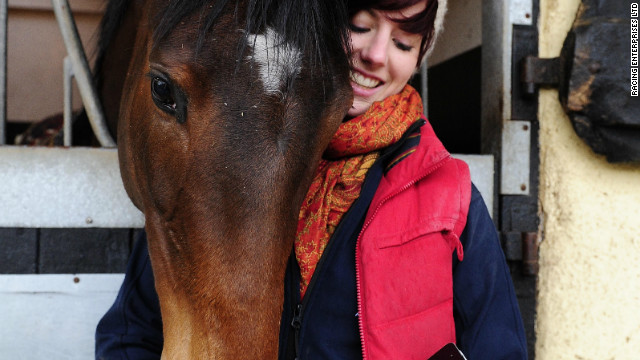 Racing horses take to Twitter