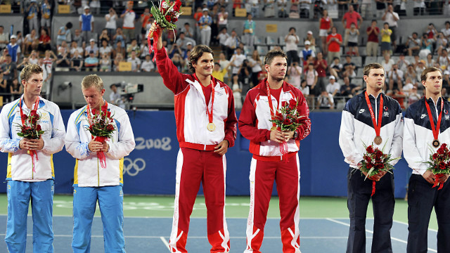 Wawrinka and Federer had long been practice partners, but came together to win the men's doubles title. In the semifinals they beat top-ranked Bob and Mike Bryan of the United States, who had to settle for bronze.