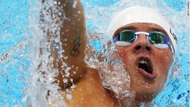 Ryan Lochte gana el primer oro para EE.UU. y Michael Phelps se queda sin medalla