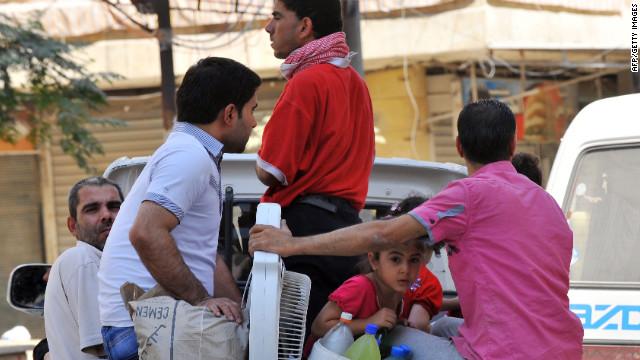 200.000 civiles tratan de huir de la violencia de Aleppo en Siria