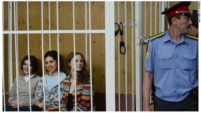 Vladimir Putin pide a la corte clemencia para las integrantes de Pussy Riot