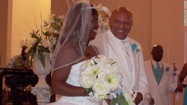Church that refused to marry black couple releases apology