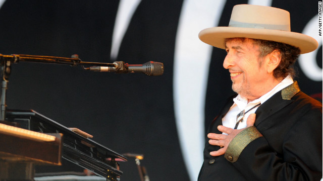 Bob Dylan performs during the Vieilles Charrues music festival on July 22, 2012 in Carhaix-Plouguer, western France.