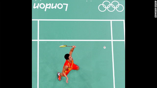 China's Lin Dan plays against Indonesia's Hidayat Taufik in the men's singles badminton match Wednesday.