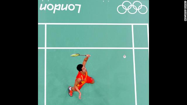 China's Lin Dan plays against Indonesia's Hidayat Taufik in the men's singles badminton match Wednesday.