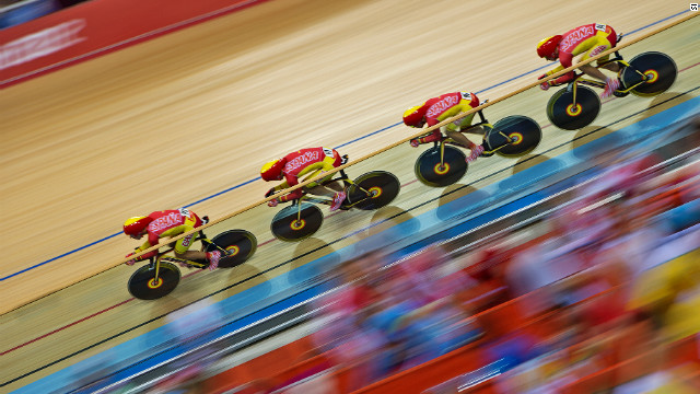 Spain finished sixth fastest in the men's pursuit but faced a tough task to win a medal with Great Britain breaking the world record.