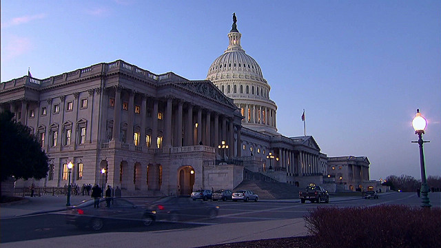 Fiscal cliff could bring paycheck scramble