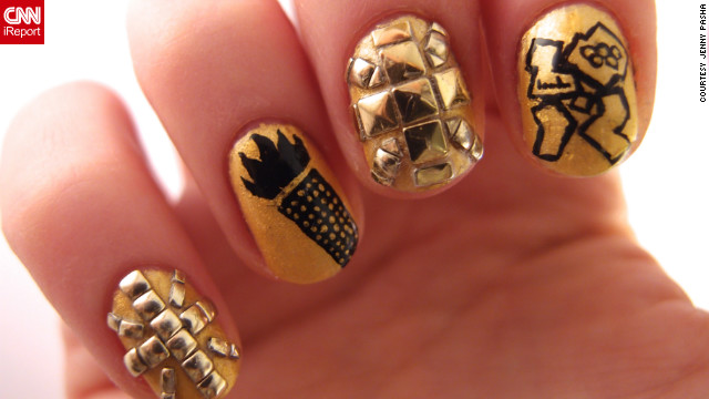 Pasha shows off the other half of her <a href='http://ireport.cnn.com/docs/DOC-824644'>elaborate gold manicure</a>. She says it took her about two hours to create the design.