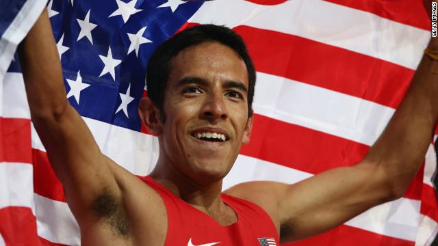 Corredor de EE.UU. gana medalla de plata y se la dedica a México