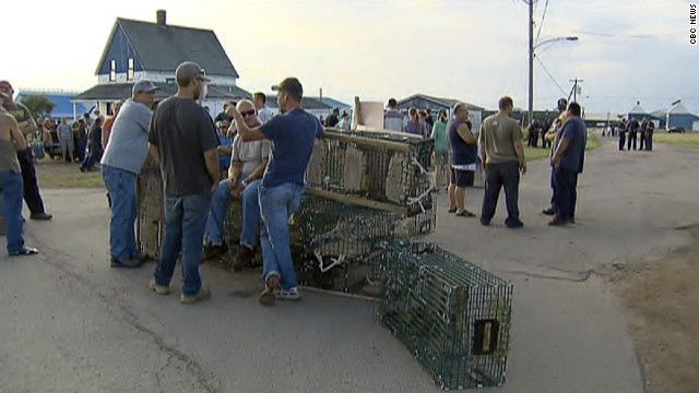 Canadian fishermen protesting the import of Maine lobsters were hit with a court injunction Thursday.