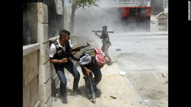 """Francotiradores ponen """"en jaque"""" a los habitantes de Aleppo en Siria"""