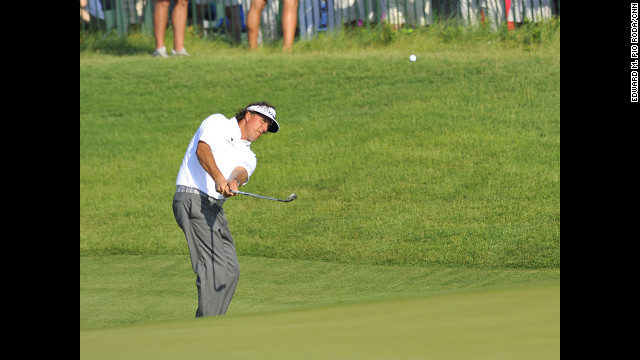 Phil Mickelson finished the third round with a 73.