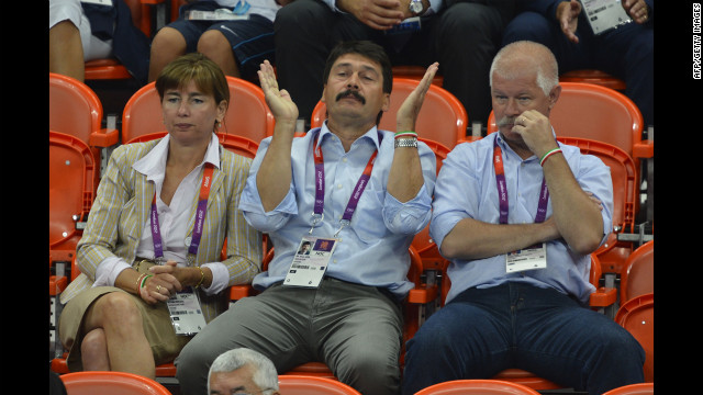 Members of the Hungarian delegation were masters at enthusiastic applause.