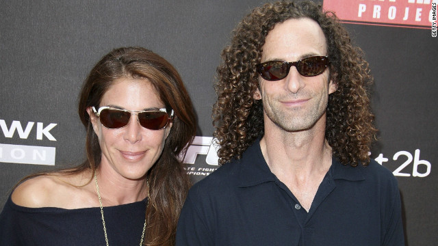 Kenny G. files for divorce