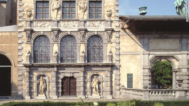 Peter-Paul Rubens' grand baroque house in Antwerp reflects his status as royal court painter and his influence in society.