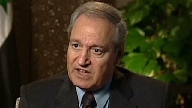 Oposición siria dice que el vicepresidente desertó; el gobierno lo niega