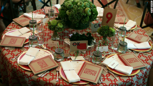 "First Lady hosts first-ever ""Kid's State Dinner"""