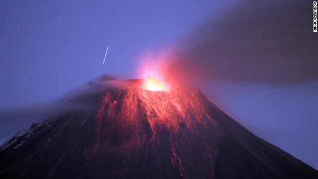 El volcán Tungurahua de Ecuador entra en erupción