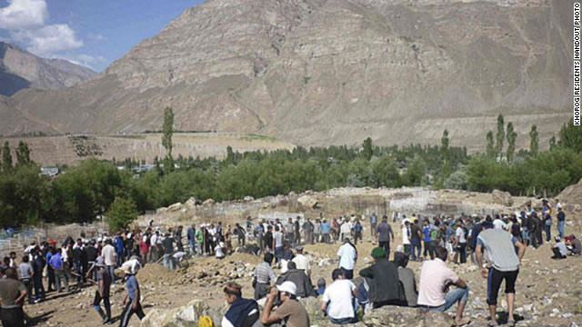 Residents of Khorog bury the dead after an encounter with Tajikistan soldiers in late July.